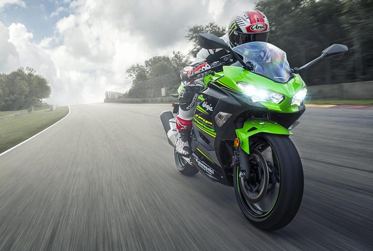 2018 Kawasaki Ninja 400 ABS KRT, the lightweight and performant sporty motorcycle
