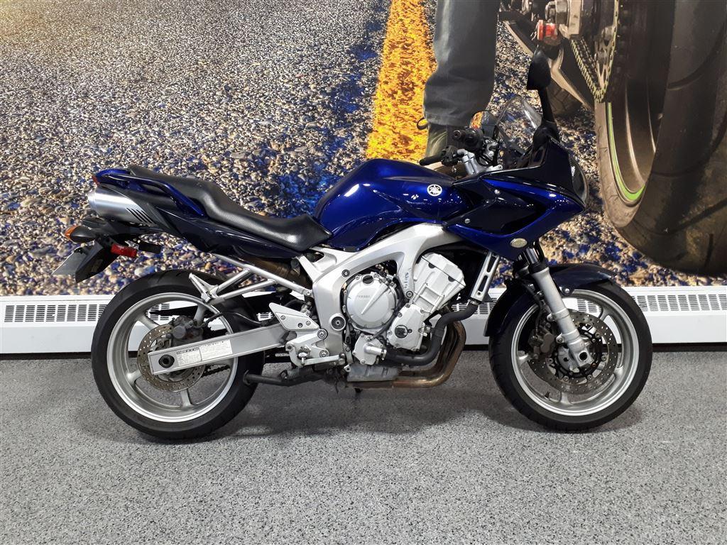 2005 Yamaha FZ600