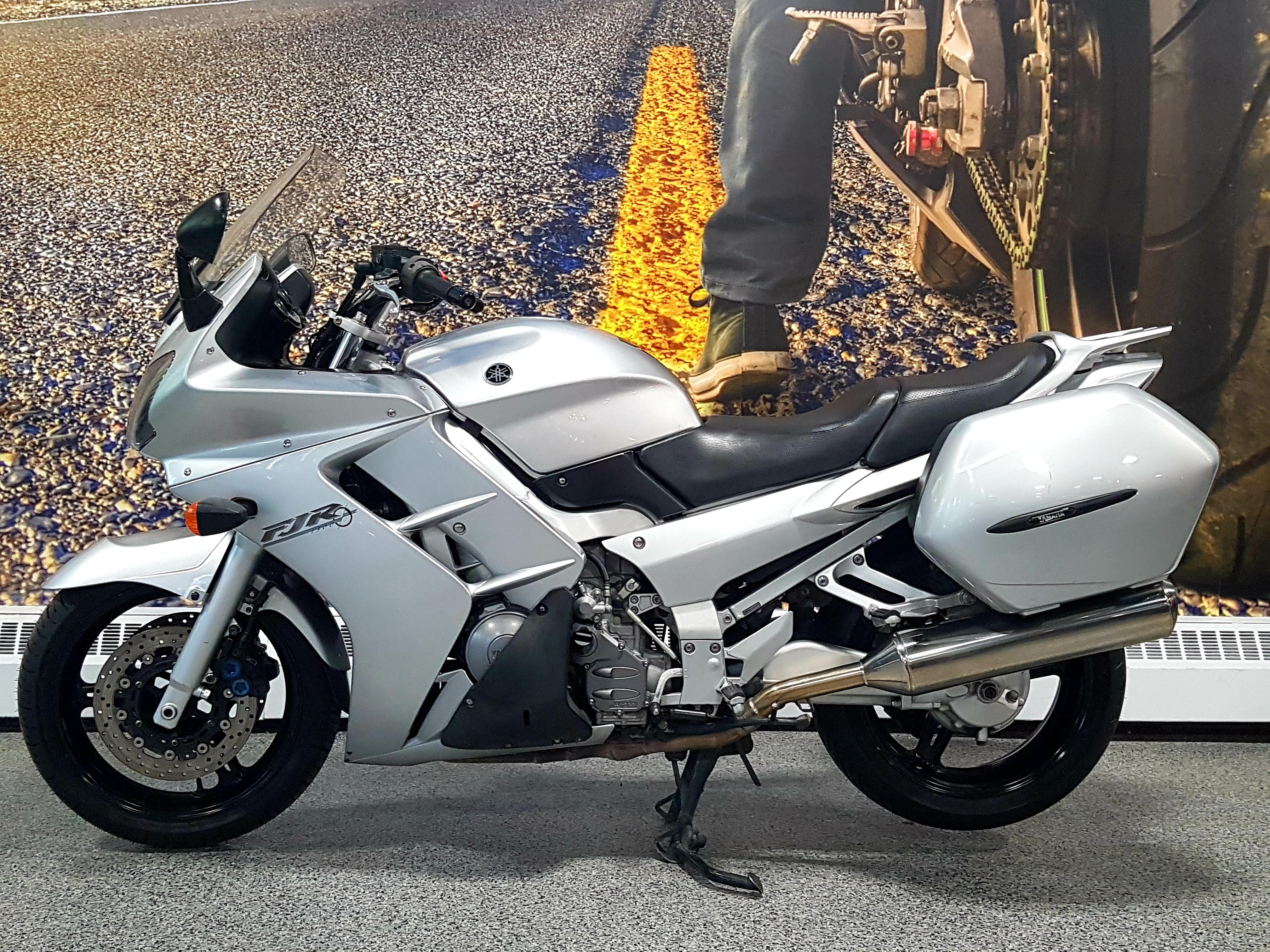 8873 Yamaha FJR1300 2003