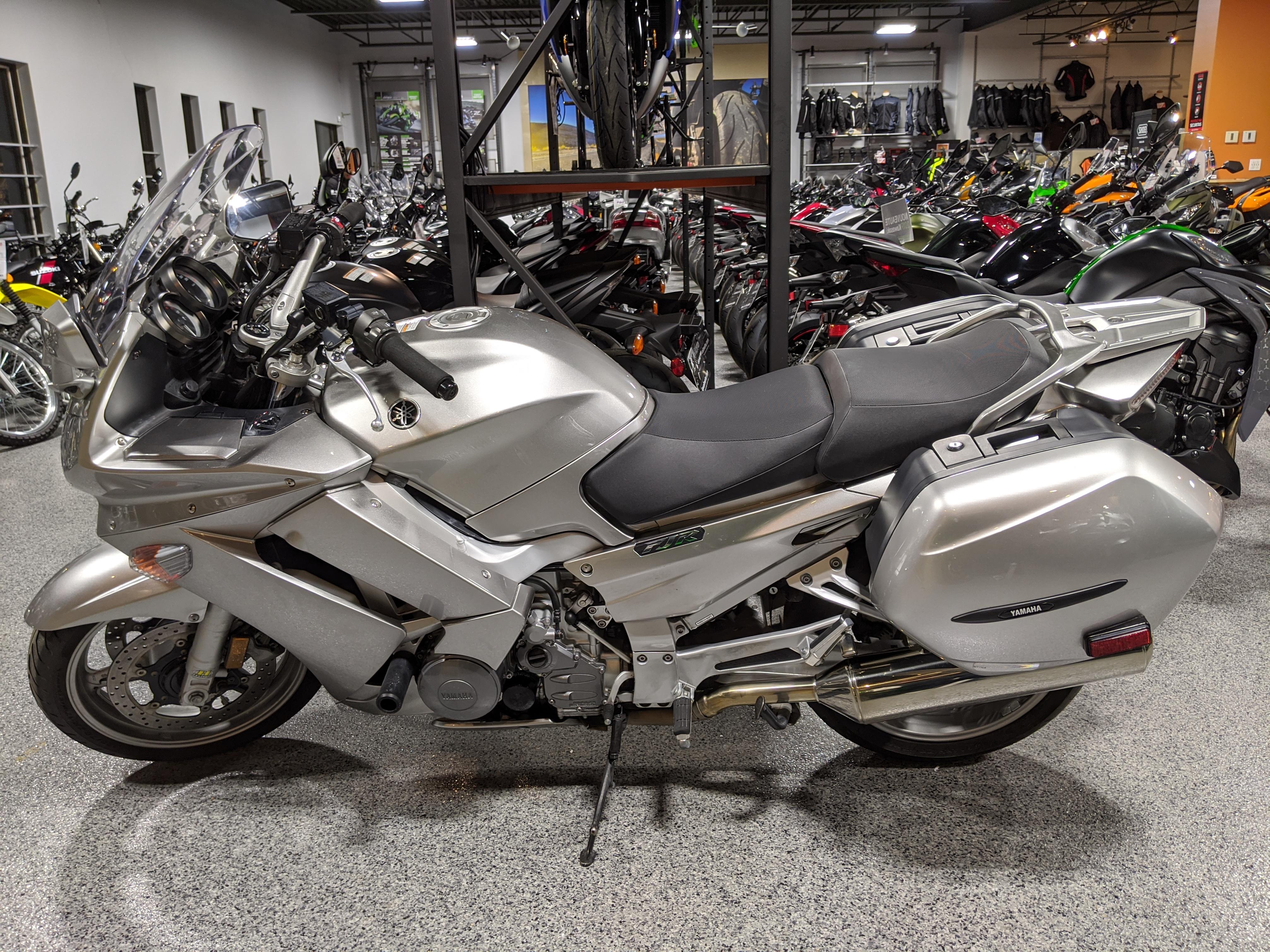 9060 Yamaha FJR1300 ABS 2011
